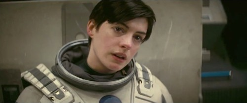anne-hathaway-as-brand-in-interstellar-2014