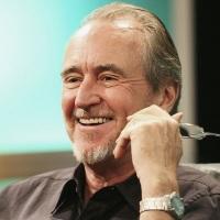 """ווס קרייבן, יוצר סדרות  סרטי """"סיוט ברחוב אלם"""" ו""""צעקה"""", מת בגיל 76."""