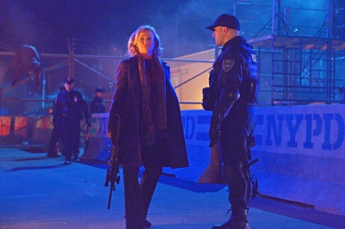 """THE STRAIN -- """"The Battle For Red Hook"""" -- Episode 209 (Airs September 6, 10:00 pm e/p) Pictured: (l-r) Samantha Mathis as Justine Feraldo, Paulino Nunes as Frank Kowalski. CR: Michael Gibson/FX"""