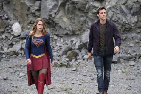 supergirl-lives-08