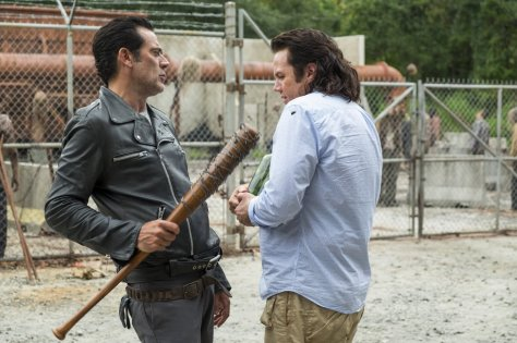 the-walking-dead-hostiles-and-calamities-07