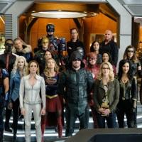 טריילר מלא וארוך ל- Crisis on Earth-X הקרוסאובר השנתי של רשת CW