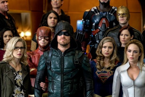 legends-of-tomorrow-season-3-crisis-on-earth-x-crossover-image-6