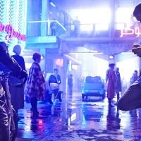 """""""אילם"""" - סרטו של דאנקן ג'ונס (""""קוד מקור"""") מתחדש בתמונות ותאריך יציאה בנטפליקס"""