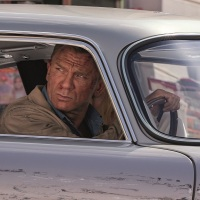 """""""לא זמן למות"""" - ג'יימס בונד מציל את העולם (שוב) ודוהר לבתי הקולנוע (אולי)"""